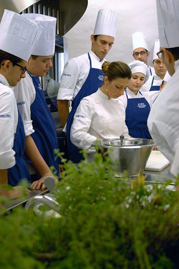 Zajęcia w szkole gastronomicznej wOstuni