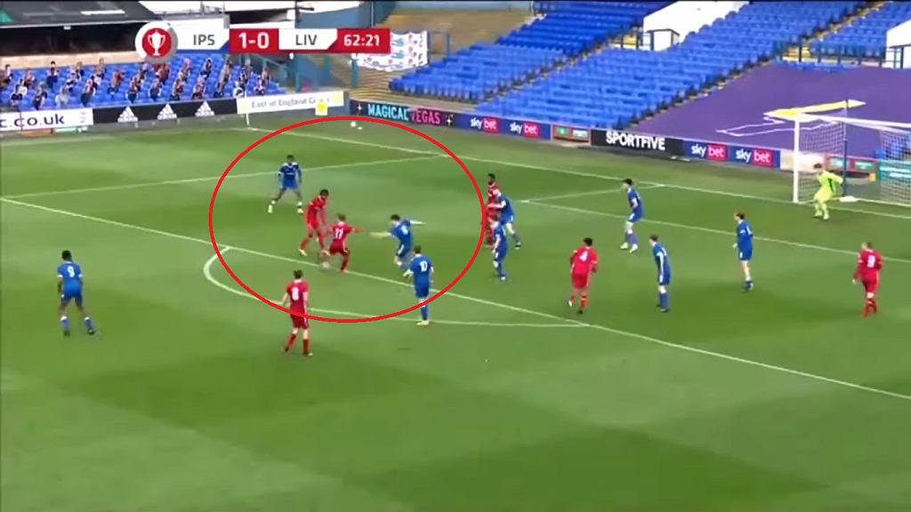 Gol Mateusza Musiałowskiego na 1:1 w meczu z Ipswich Town U-18