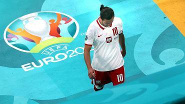 Grzegorz Krychowiak (czerwona kartka) podczas meczu Polska - Słowacja na Euro 2020. Sankt Petersburg, Rosja, 14 czerwca 2021