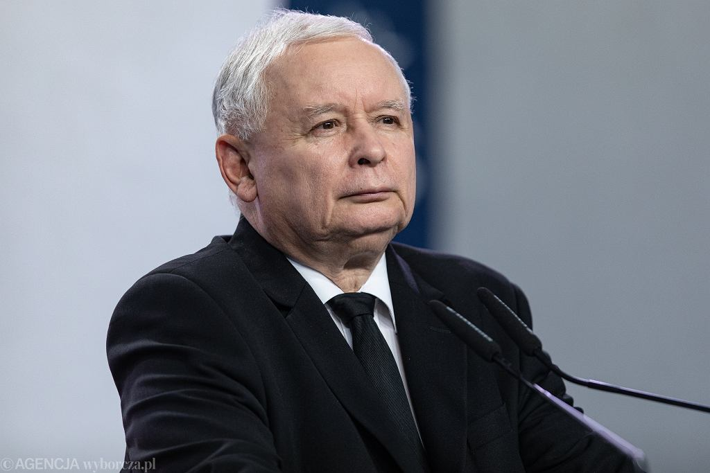 vOswiadczenie w Warszawie prezesa Prawa i Sprawiedliwosci Jaroslawa Kaczynskiego i marszalka Sejmu Marka Kuchcinskiego