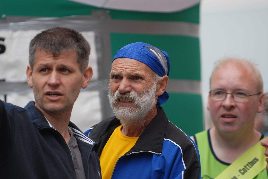 Przed startem biegu sztafetowego Zielona Góra - Cottbus