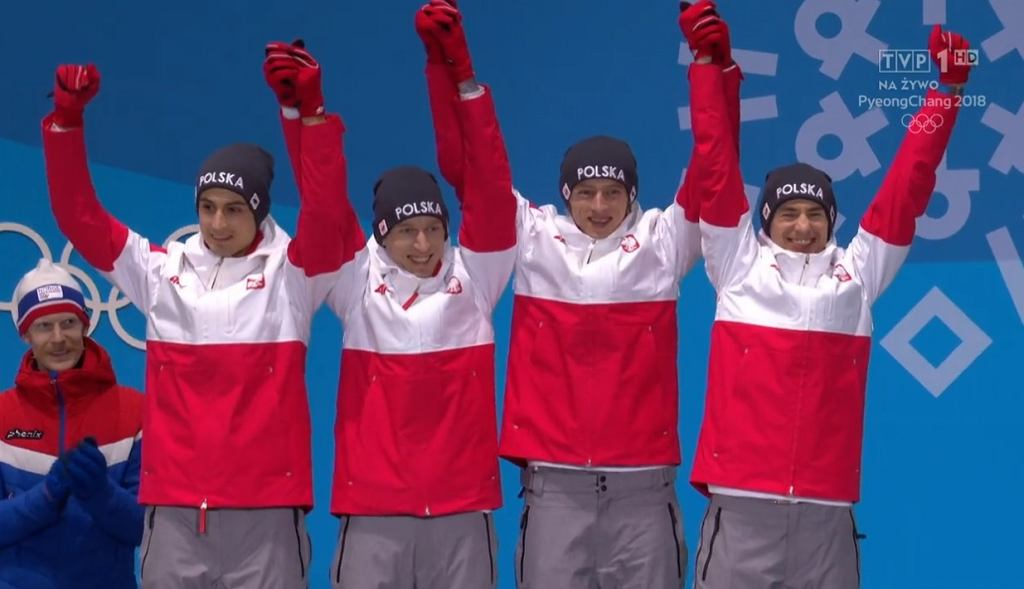 Dekoracja medalowa skoczków narciarskich w Pjongczangu
