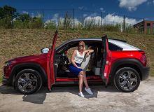 Opinie Moto.pl: Mazda MX-30 - czy naprawdę potrzebujemy elektryków z dużą baterią?