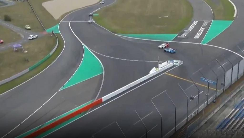 Robert Kubica obrócony w wyścigu DTM na Lausitzring
