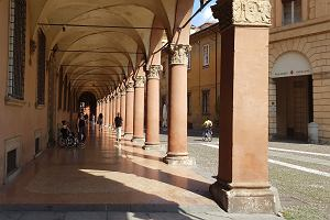 Bolonia. Pępek Wenus, dwie wieże i Neptun, który ma swoje tajemnice