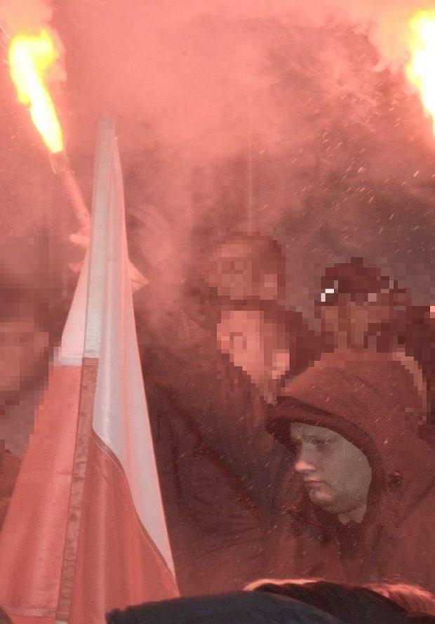 Wrocławska policja publikuje wizerunki osób, które naruszyły prawo podczas marszu z okazji Święta Niepodległości we Wrocławiu