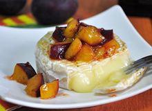Grillowany camembert ze śliwką - ugotuj