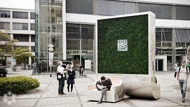Panel z mchem - rozwiązanie firmy Green City Solutions do walki ze smogiem