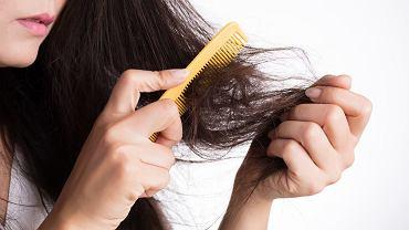 Czy wiązanie włosów jest bezpieczne dla zniszczonych kosmyków? Fakty i mity