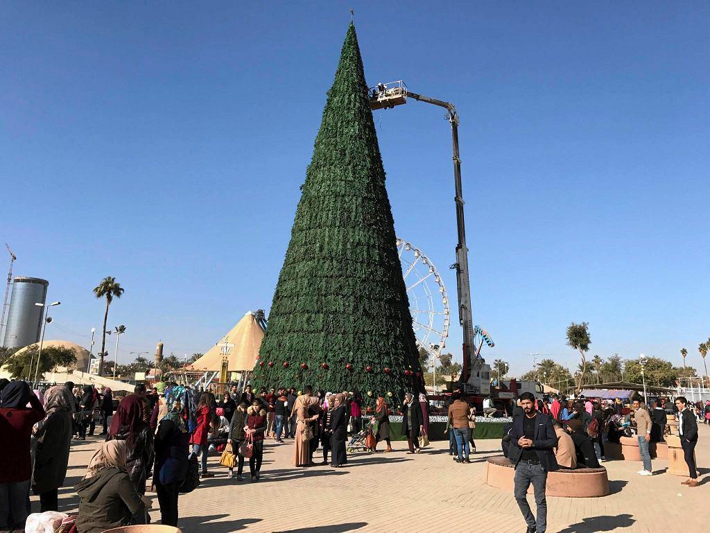 Bożonarodzeniowa choinka w centrum Bagdadu
