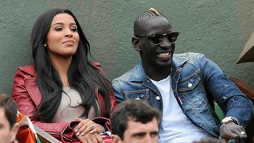 Francuski piłkarz Liverpoolu Mamadou Sakho z żoną Majdą