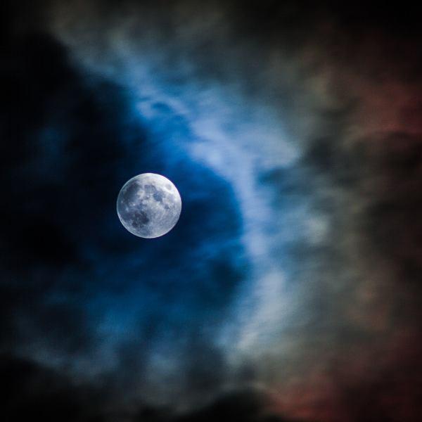 Czy pełnia Księżyca faktycznie wpływa na gorszy sen?