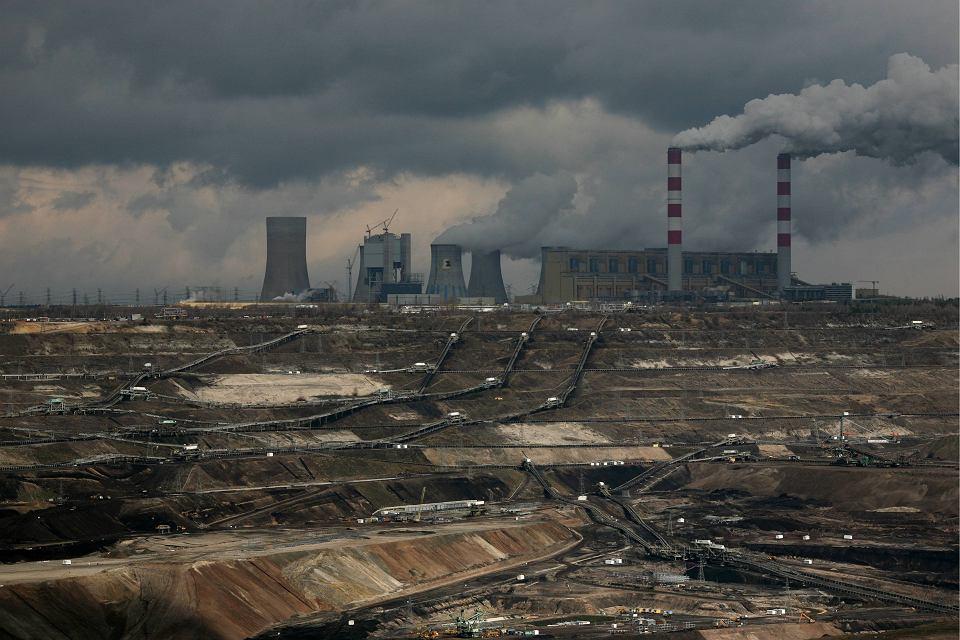 teoria datowania węgla