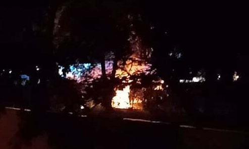 Nocny pożar samochodów na Muranowie