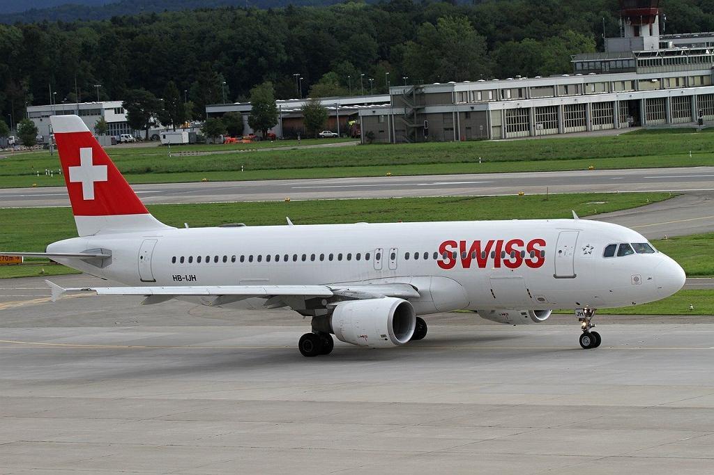 Samolot linii Swiss (zdjęcie ilustracyjne)