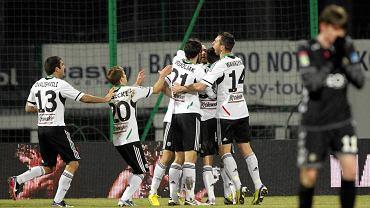 Legia cieszy się z gola Danijela Ljuboi