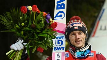 Dawid Kubacki po sobotnim zwycięstwie w Titisee-Neustadt