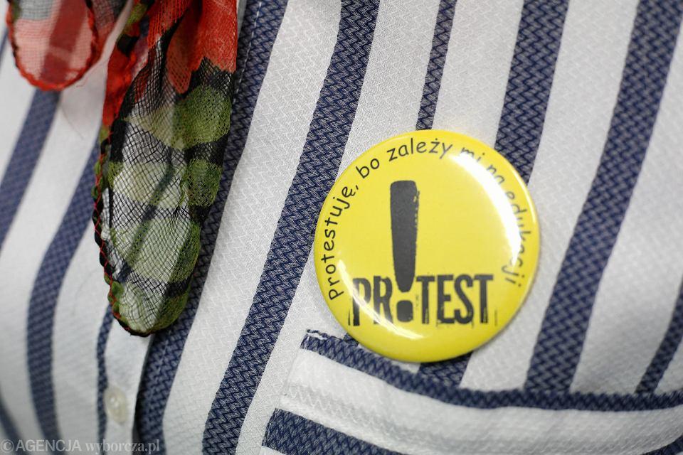 Gotowe są już znaczki, które podczas strajku nosić będą protestujący nauczyciele