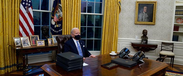 """Biden usunął z Gabinetu Owalnego słynny """"czerwony przycisk"""". Trump używał go do zamawiania Coca-Coli"""