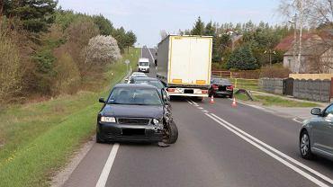358387b67c377 Wypadek na drodze krajowej koło Skarżyska. Ranny jeden z kierowców