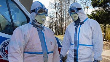Koronawirus. NFZ apeluje: Nie przychodźcie do urzędów i poradni
