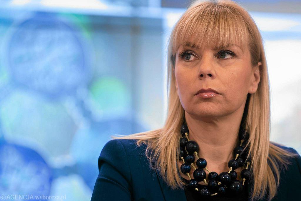 B. minister infrastruktury i rozwoju, obecnie komisarz UE, Elżbieta Bieńkowska