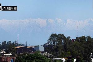 Mieszkańcy indyjskich miast zobaczyli góry oddalone o 200 km. Niektórzy po raz pierwszy w życiu