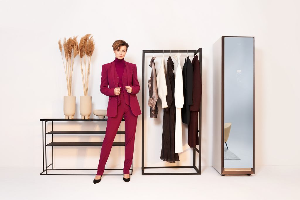 Szafa Samsung AirDresser do odświeżania ubrań pozwala dbać o delikatne tkaniny jak wełna czy kaszmir