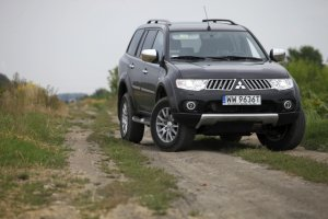 Mitsubishi Pajero Sport Intense  AT - test Moto.pl
