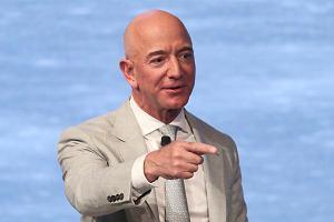 Jak to jest mieć 200 mld dolarów? Jeff Bezos już wie
