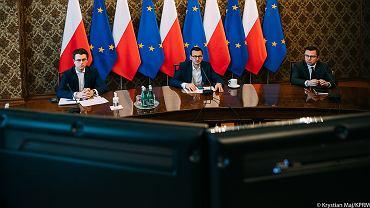 Rządowy Zespół Zarządzania Kryzysowego pod przewodnictwem premiera