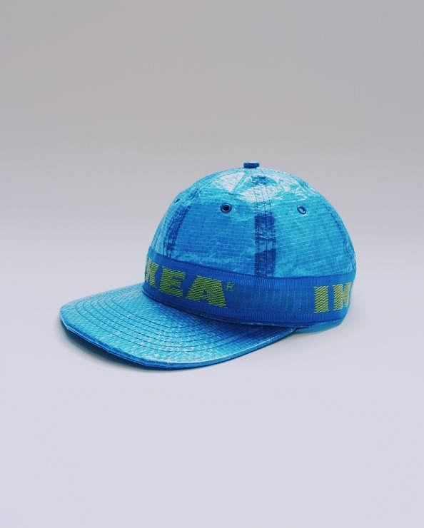 Wygląda jak zwykła czapka, ale zgodnie z opisem 'można w niej nosić zakupy, cegły, a nawet wodę'