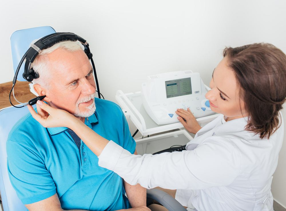 Tympanogram, czyli wynik badania ucha zwanego tympanometrią, jest krzywą, za pomocą której można zdiagnozować między innymi infekcje ucha środkowego, niedrożność trąbki Eustachiusza, pęknięcie błony bębenkowej czy nieprawidłowość zanikania odruchu strzemiączkowego.