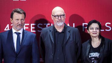 Gala zamknięcia 43. Festiwalu Polskich Filmów Fabularnych. Robert Więckiewicz, Wojciech Smarzowski i Agnieszka Matysiak