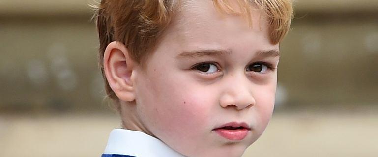 Książę George skończył 6 lat. Uwagę skrada... koszulka z sieciówki