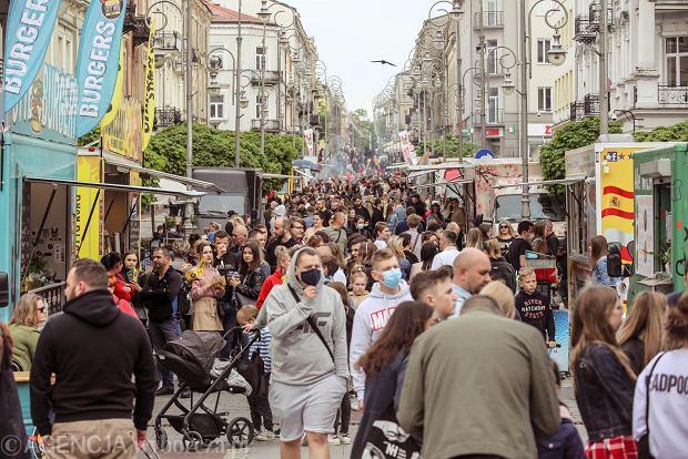 Zdjęcie numer 0 w galerii - Street Food Polska Festival. Nawet wenezuelskie smakołyki można spróbować na deptaku w Kielcach