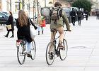 Na rowerzystów sypią się mandaty. Czy pozwalać na jazdę po chodniku?