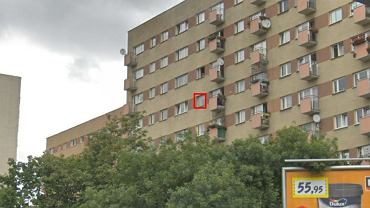 Na siódmym piętrze bloku przy Czerniakowskiej po parapecie chodziło 3-letnie dziecko