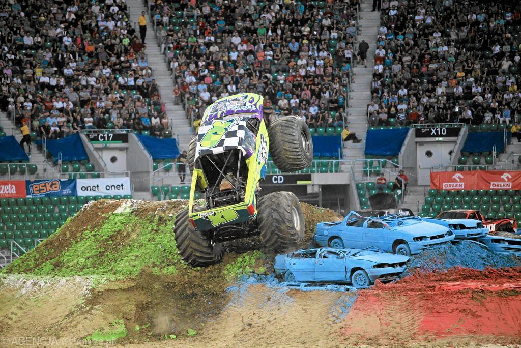 Potężne pojazdy opanowały Atlas Arenę. Pokaz niezwykłych Monster Trucków w Łodzi.