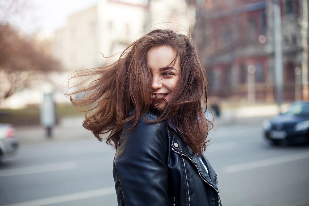 Jakie fryzury półkrótkie będą modne w sezonie jesień 2019? Podpowiadamy