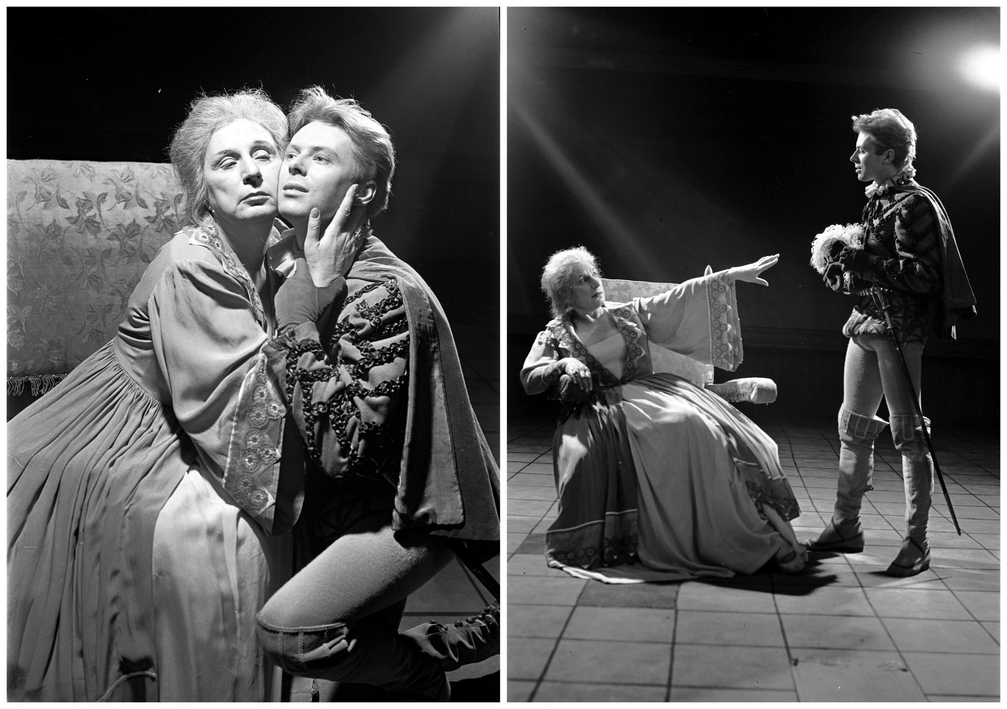 Warszawa, 1959 r. Teatr Powszechny - sztuka 'Elżbieta Królowa Anglii'. Zofia Tymowska jako Elżbieta i Jerzy Nasierowski jako Plantagenet (fot. Archiwum Fotograficzne Edwarda Hartwiga / Narodowe Archiwum Cyfrowe)