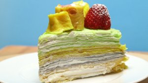 Tort naleśnikowy na Skittlesach