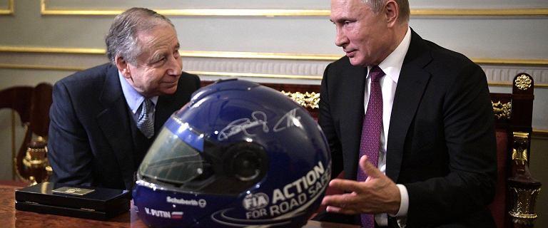Putin otrzymał w prezencie kask... z autografem Michaela Schumachera