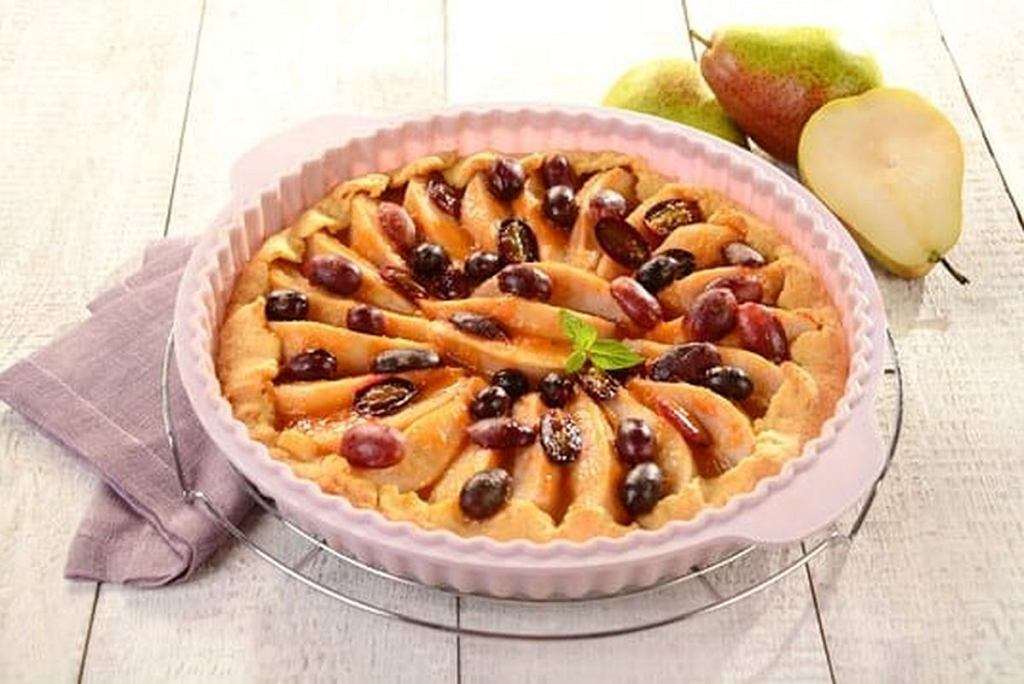 Tarta gruszkowa z winogronami