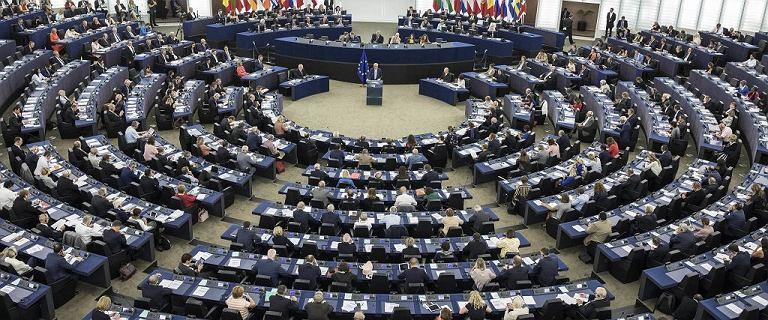 """PE przyjął rezolucję ws. protestów w Polsce. """"Miażdżąca krytyka orzeczenia"""""""