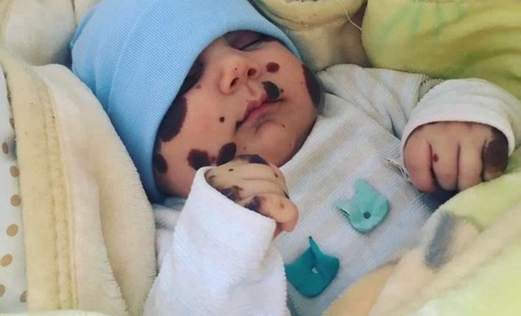 Chłopiec panda ma już prawie dwa lata
