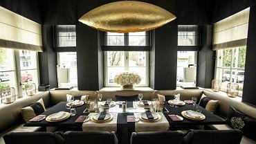 W restauracji Amber Room w warszawskim pałacyku Sobańskich nagrano rozmowę Radosława Sikorskiego z Jackiem Rostowskim. 'Pluskwa' mogła być schowana w pilocie systemu bezprzewodowego przywoływania obsługi