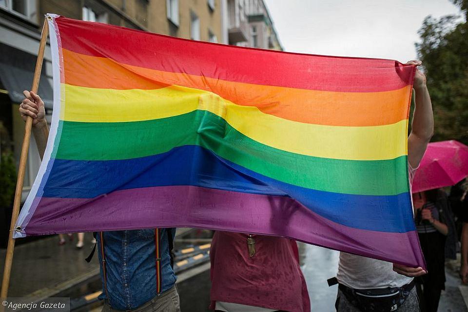 Tęczowa flaga / zdjęcie ilustracyjne