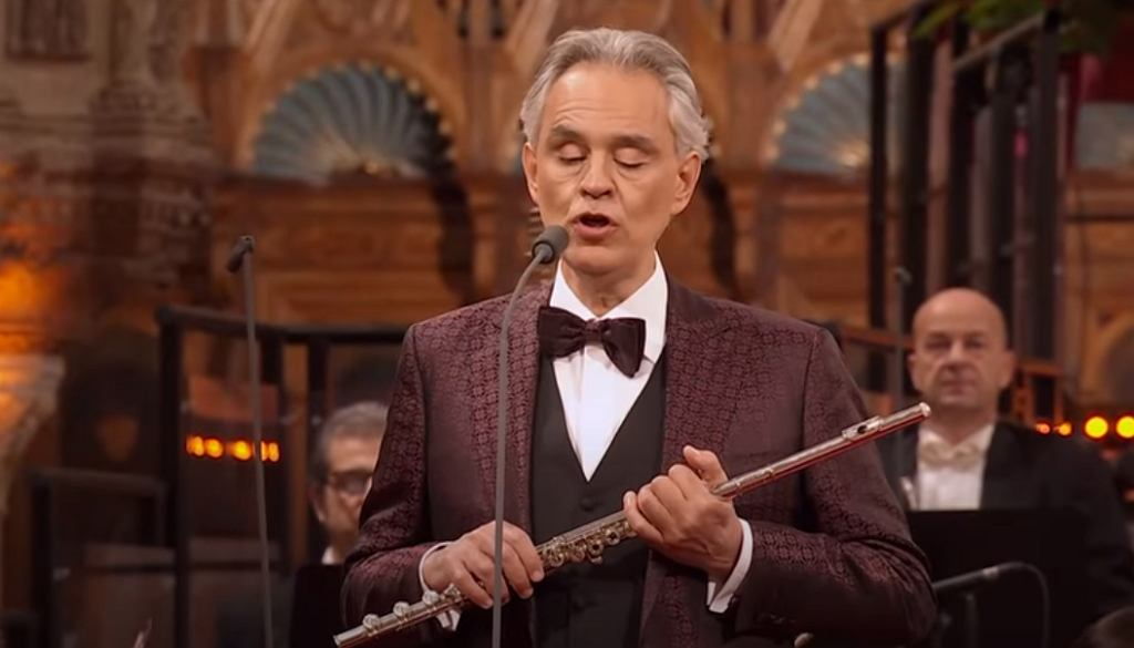 Andrea Bocelli - Dolce ? Sentire (Christmas concert in Assisi)