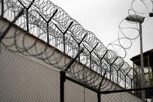 Co się dzieje w więzieniu w Chmielowie? Ziąb w celach, śmierć jednego z osadzonych